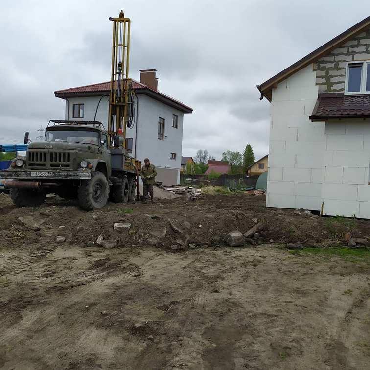 Бурение скважины в поселке Шоссейный